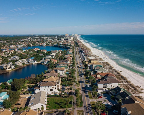 Florida Homeowners Insurance Market Draws Concern After Building Collapse