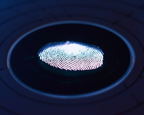 Insurer Must Defend Salon for Violation of Biometric Information Privacy Act
