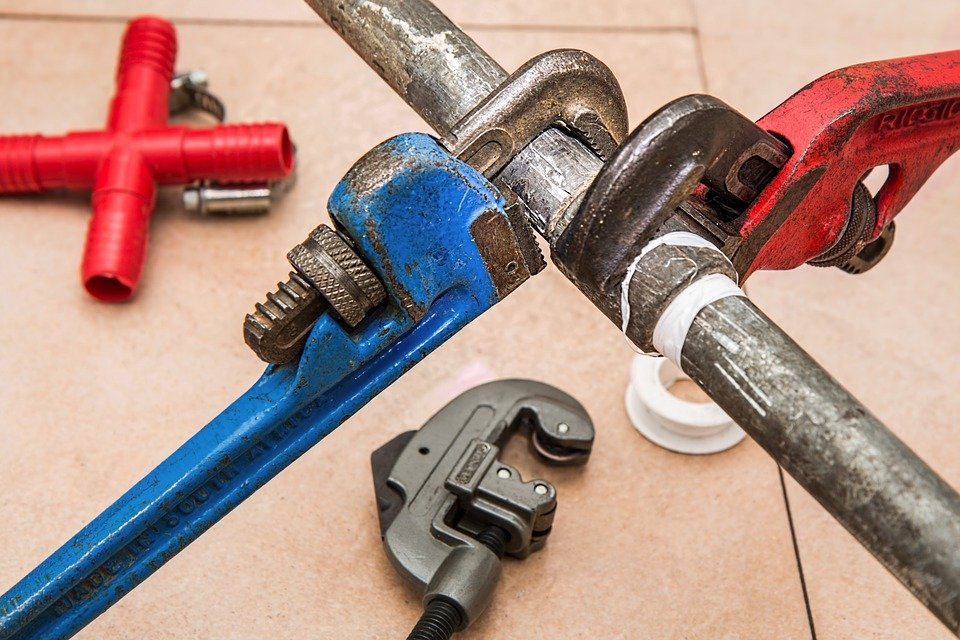 Texas Allowing Out-Of-State Insurance Adjusters And Plumbers Via Temporary Licenses