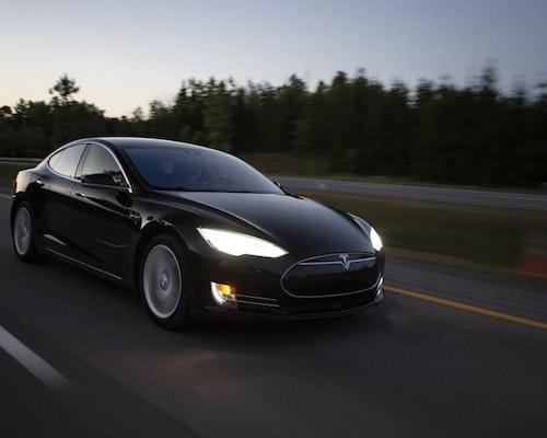 Injured Officers Sue Tesla Over Texas Autopilot Crash