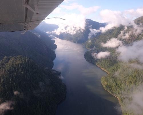 Pilot, Five Passengers Killed in Alaska Sightseeing Plane Crash