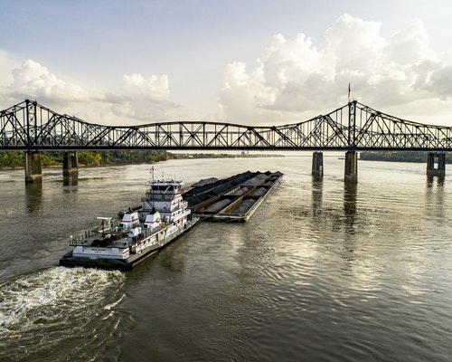 More Than 700 Barges Stuck in Mississippi River From Bridge Crack